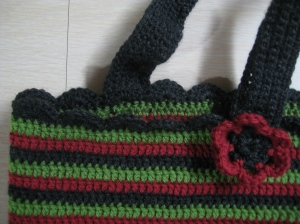 crochet bag close